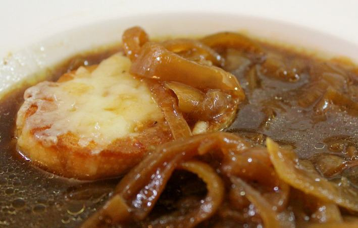 French Onion Soup In The Slow Cooker - Good Dinner Mom